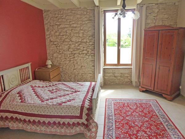 Lovely Gite in Eymet South West France : bedroom1 from eymetgite.co.uk size 600 x 450 jpeg 154kB